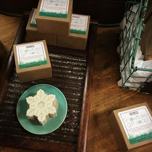 "People come into The Artsmiths and say, ""Your Shop smells so good!"" The reason: Finch Naturals Snowflake Gift Soap!  #soap #handmadesoap #artisansoap #snowflake #artsmithspgh #theartsmiths #minty #stockingstuffers #handmadefortheholidays #teachergifts #readytogift"
